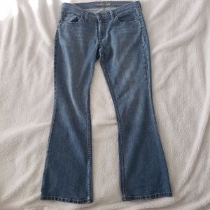 American Eagle Light Wash Bootcut Jeans size 8